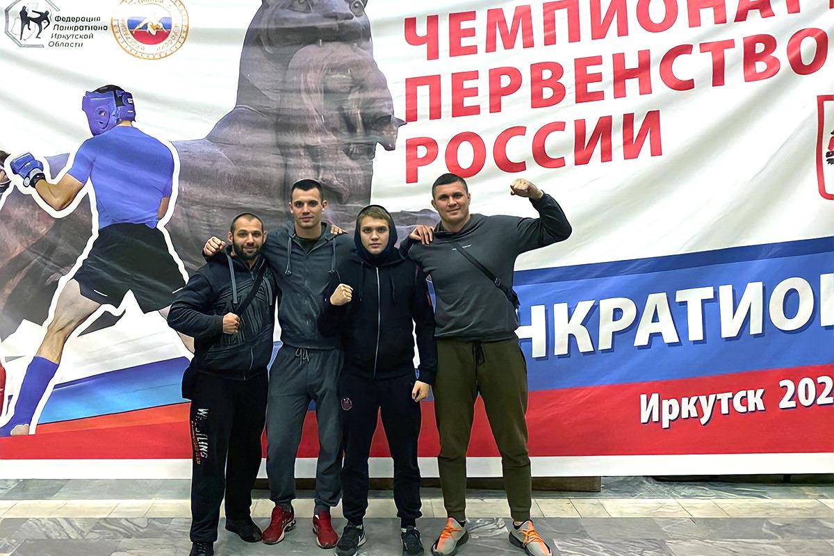 На фото слева направо: Иван Черных  Роман Карасёв, Александр Лунёв, Дмитрий Заболотный.
